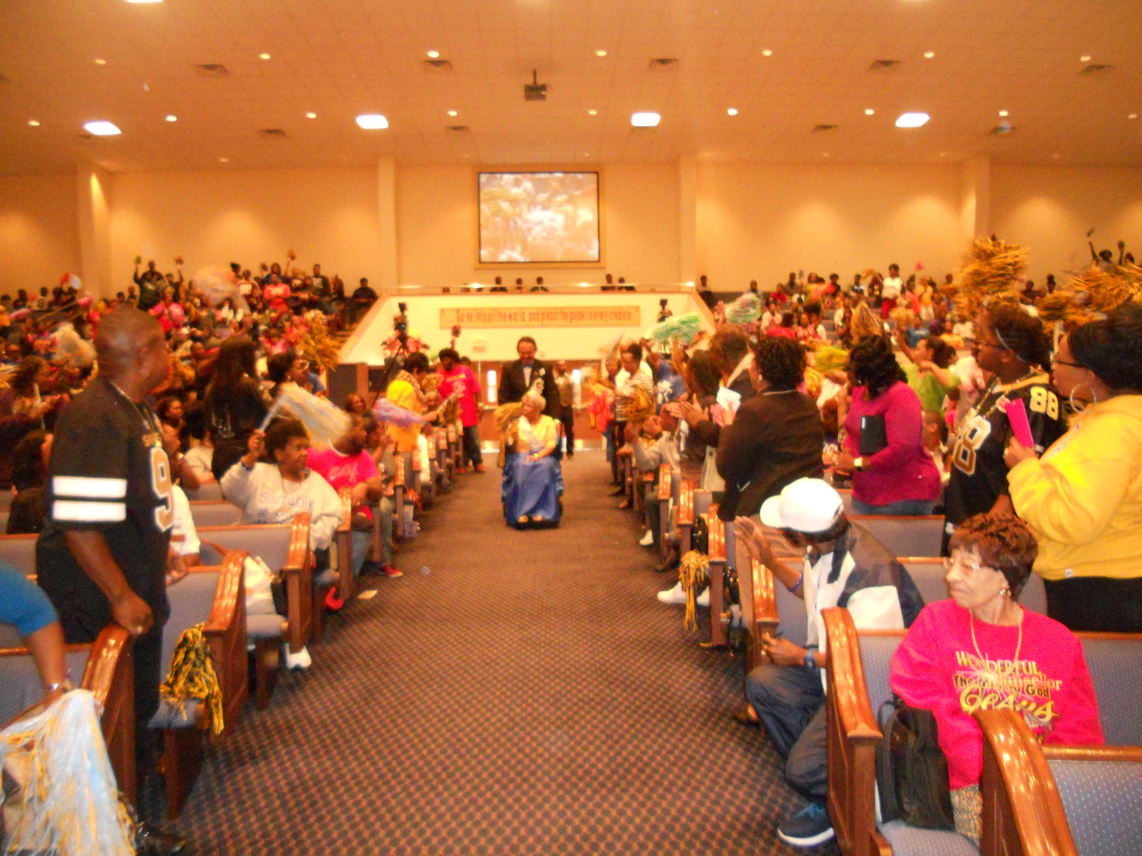 "LIVING FAITH CHRISTIAN CENTER ""SPIRIT DAY""   Miracles Manor"